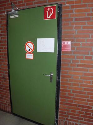 Geschlossene tür zeichnung  Adventskalender geschlossene Tür 08.12.2011 | Staats- und ...